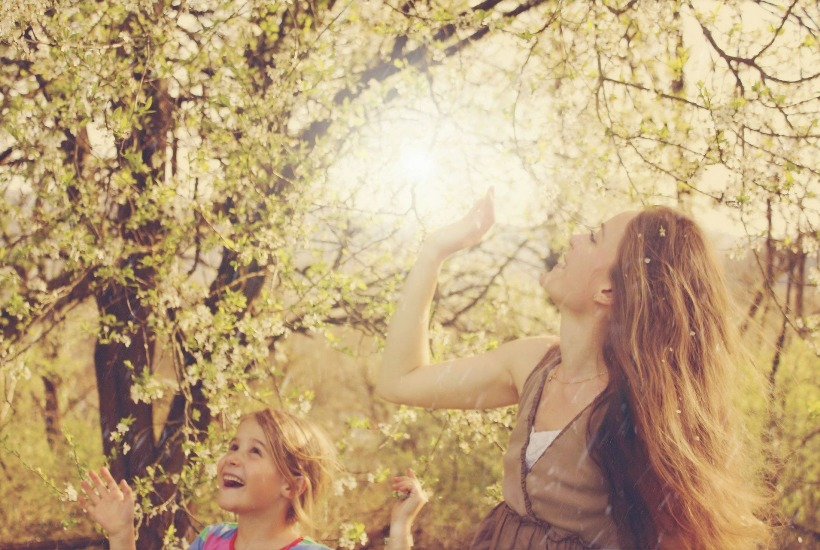 Mom and Daughter Enjoying Nature - 5 Simple Ways to Enjoy Nature with your Kids, Outdoor Things To Do, Backyard Activities, Outdoors with Children Tips